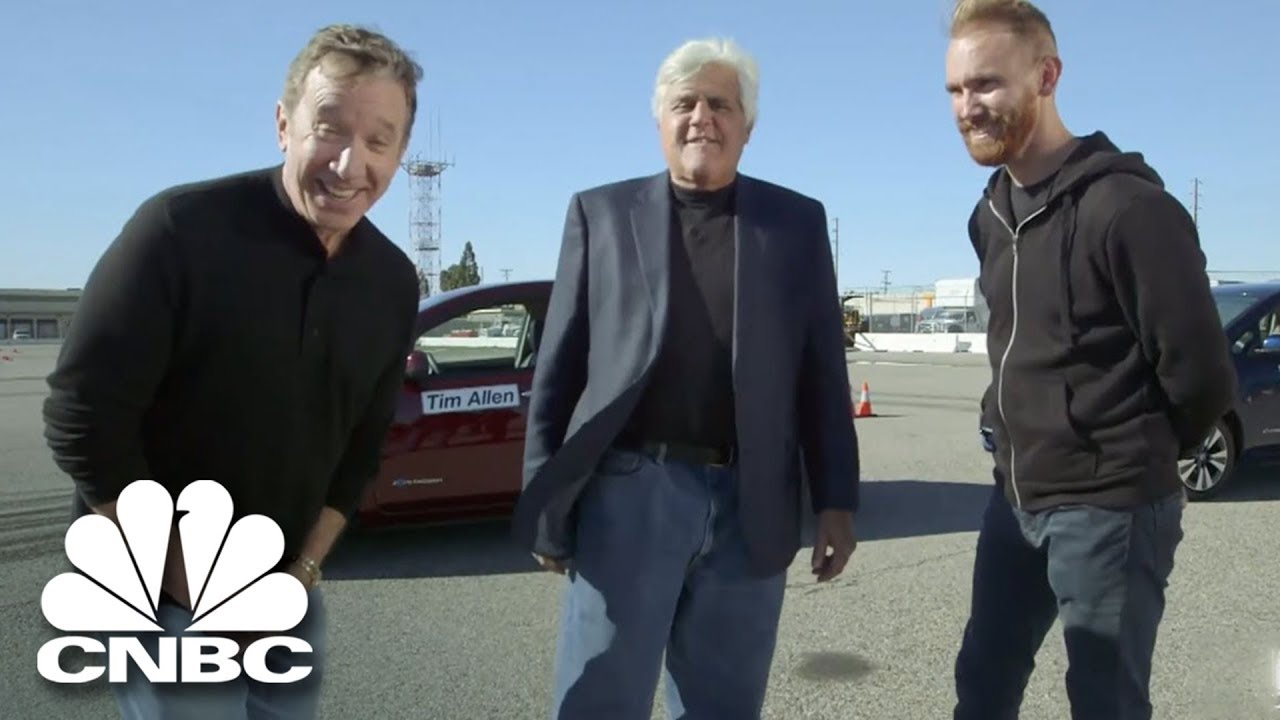 jay leno and tim allen drift in nissan leafs jay leno 39 s. Black Bedroom Furniture Sets. Home Design Ideas