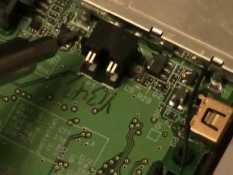how-to-fix-a-nintendo-ds-lite-that-won't-power-on-or-charge-.