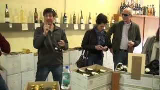 Deaf Foodies Savor Gourmet Ghetto Tasting Tour in Sign Language
