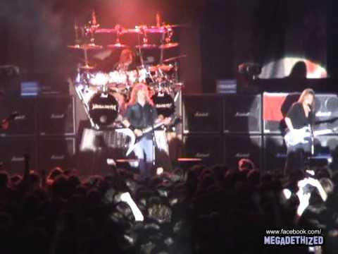 Megadeth - Dave Mustaine dedicates