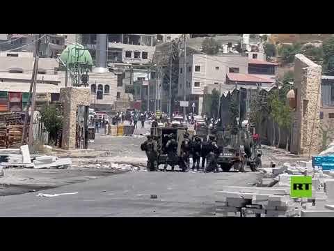 الجيش الإسرائيلي يقمع المتظاهرين في بلدة بيتا ويغلق كافة الطرق المؤدية لها  - 14:55-2021 / 6 / 18