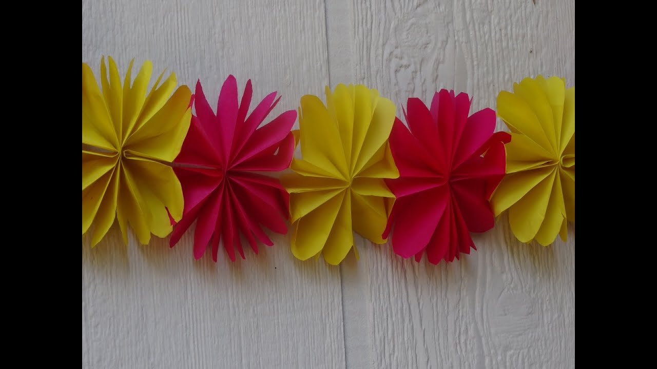 How To Make Paper Flower Streamer Christmas Decoration Youtube