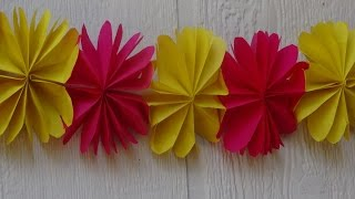 How to make paper flower streamer / Christmas decoration