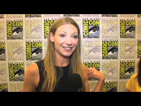 Fringe - Los actores hablan sobre la cuarta temporada - YouTube