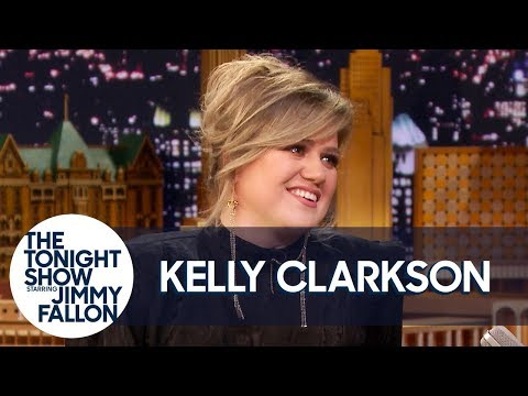 Kelly Clarkson's The Voice Bet with John Legend Involves Chrissy Teigen's Cooking Mp3