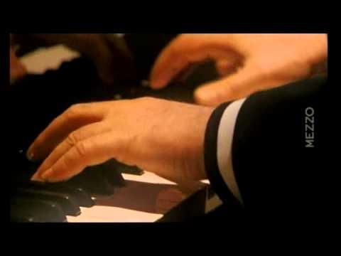 Beethoven Sonata N° 04   Daniel Barenboim