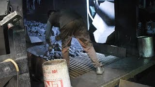 Super Skilled Workers - Casting Work In Foundry