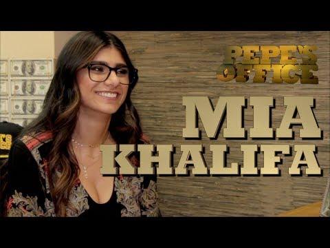 MIA KHALIFA AUDICIONA EN LA OFICINA - Pepe's Office