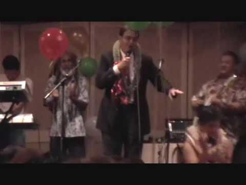 Honolulu Mayor Mufi Hannemann singing Siva siva maia