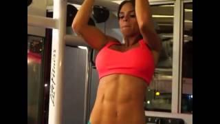 Тренировки IFBB Bikini Pro Мишель Левин, часть 1