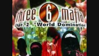 Watch Three 6 Mafia Neighborhood Hoe video
