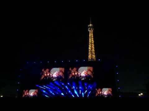 Muse - Drones [with Sparkling Eiffel Tower] (Live @ La Tour Eiffel, Paris - 28 Juin 2016)
