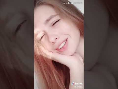Видео Леры лис (_lera_lis_) из Tik-Tok. Поцелуй Богдана и Леры! 🧡