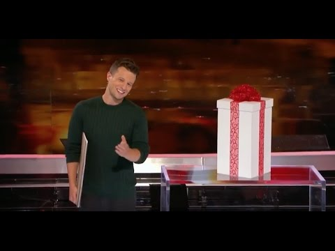 Mat Franco: Building a Snowman with Magic!