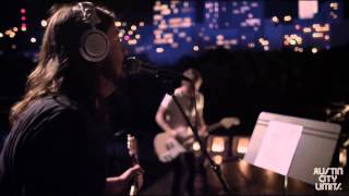 Foo Fighters Two Headed Dog (Live)