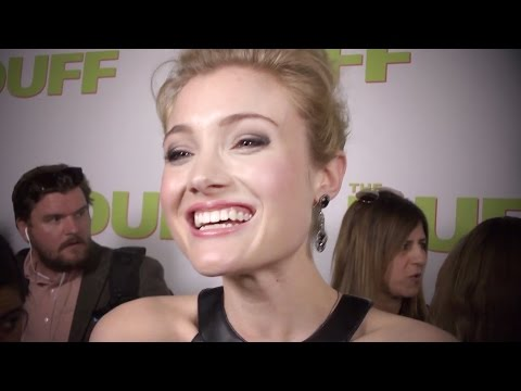 Skyler Samuels Talks