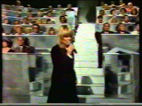 Gitte Haenning - Etwas ist geschehen (live gesungen)