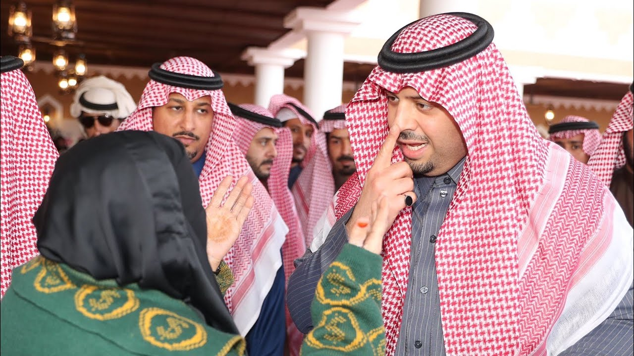 زيارة الأمير فيصل بن خالد أمير الحدود الشمالية لمحافظة طريف ولقاء مواطنين وزيارتهم في منازلهم Youtube