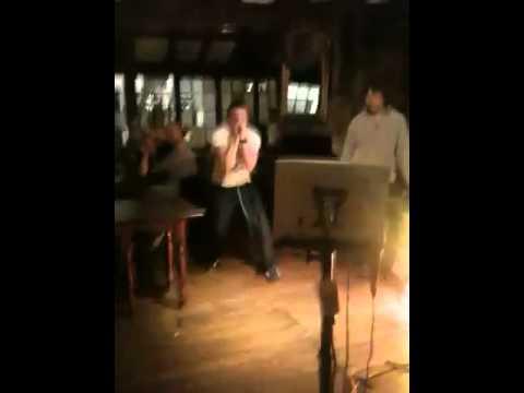 Mewsey karaoke