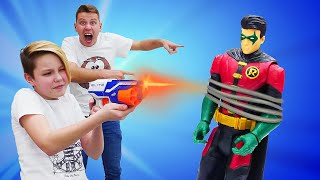 Новое видео шоу с супергероями - Что случилось с Робином? - Игры битвы в Полицейской Академии