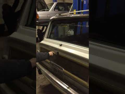 1991 Jeep Grand Wagoneer LSx Rear Window Repair