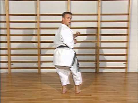 Karaté - cours 7 : coups de pieds (geri waza)