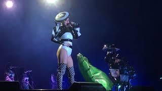 Katy Perry - Bon Appétit Live (Witness: The Tour 3/8/18 Santiago, Chile)