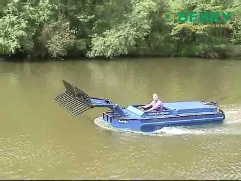 BERKY Weed cutter boat type 6410, BERKY mowing boat type 6410, BERKY Mähboot Typ 6410