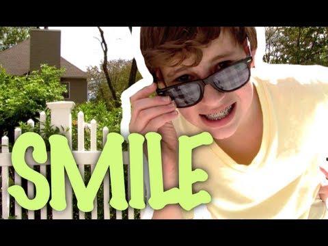Smile - Avril Lavigne (MUSIC VIDEO)