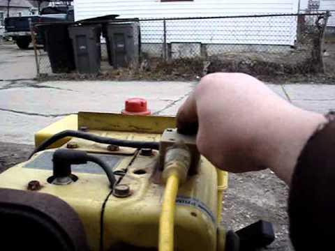 John Deere 826 Snowblower Old/Cold Start Run - YouTube