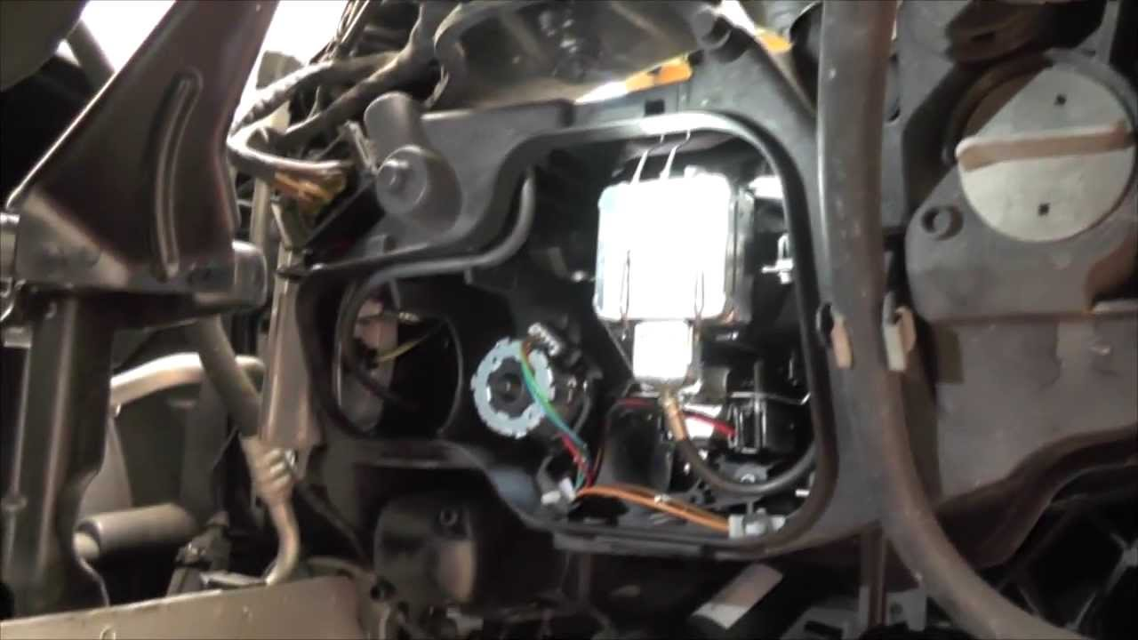 diy xenon bulb replacement for bmw e90 2007