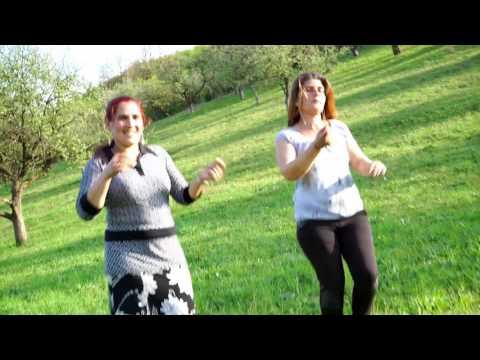 Ramona & Domnica (muzica Eugen de la Blaj - Rupe-te că io te cos)