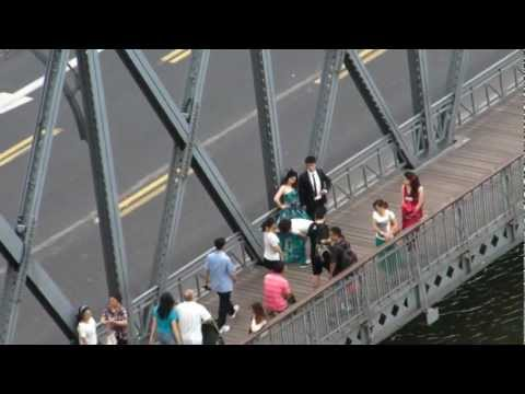 Just-Married Bride & Groom on Waibaidu Bridge, Shanghai