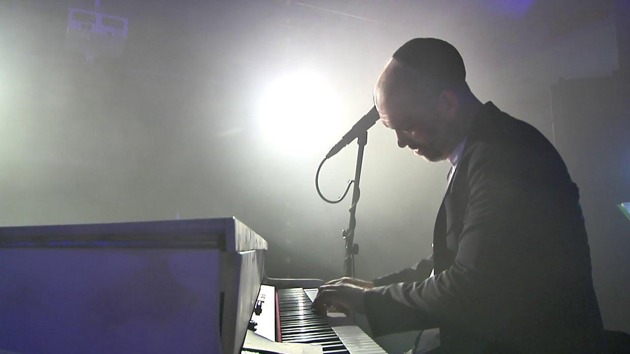 יונתן רזאל - מעוז צור | Yonatan Razel - Ma'oz Tzur | LIVE