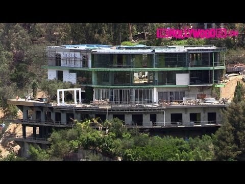 """Mohamed Hadid Demolishes Part Of His """"Starship Enterprise"""" Mansion In Bel-Air, CA 7.1.16"""