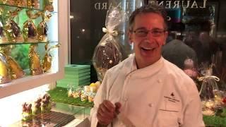 シンガポール一有名なショコラティエ、ローレント・バーナードが マダニラのバニラビーンズを彼のお店でどのように使用しているか話します。