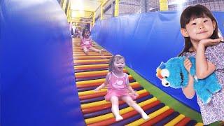 라임이가 초대형 미끄럼틀에 도전하다! 키즈스포츠클럽 챔피온 키즈카페 실내 놀이터 장난감 놀이 Indoor Playground Family Fun for Kids 라임튜브