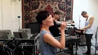 Trentemøller: Come Undone - The DIY video project