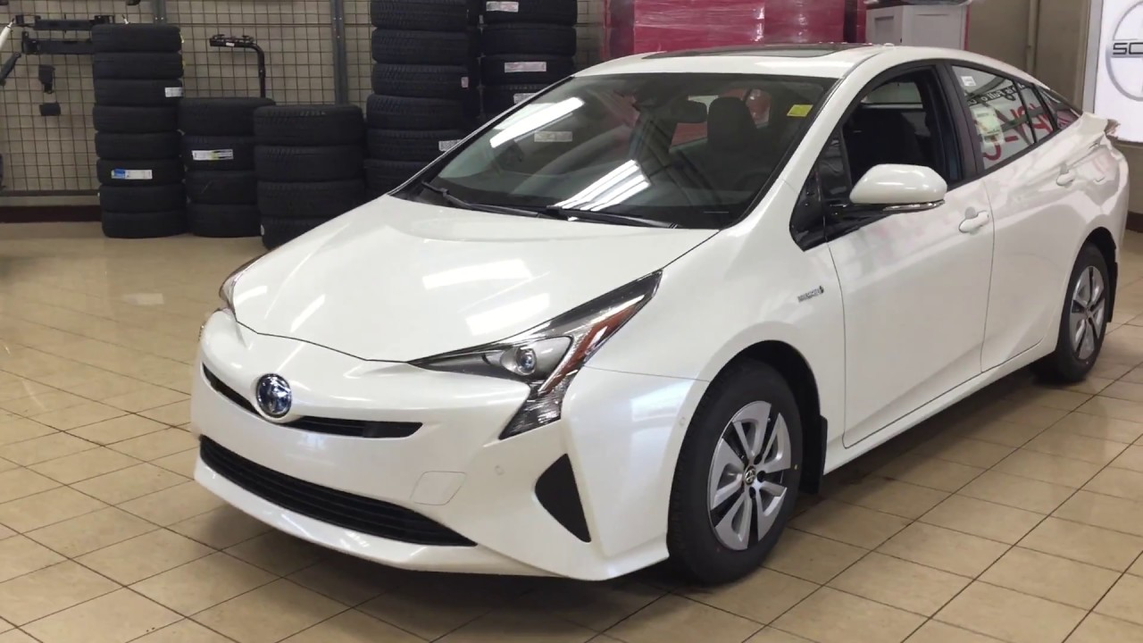 2018 Toyota Prius Technology Advanced Package Review