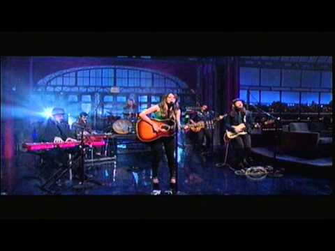Kacey Musgraves - Blowin' Smoke - Letterman 5-3-2013
