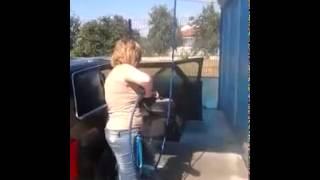 Как правильно мыть машину (прикол)(Я один не знал как правильно мыть авто???, 2014-07-16T07:50:40.000Z)