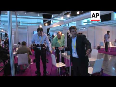 Robot technology wows crowds at first show of its kind