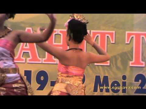 Sekar Jempiring Dance - Bali's Tradition