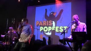 ANDREAS DORAU - Menschen tragen graue hüte (Live @Paris Popfest) (20-9-2019)