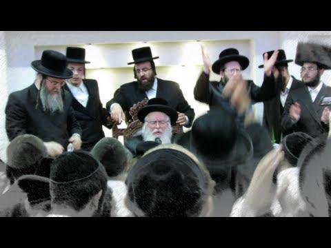 ריקודים סוערים ביום ההולדת של מנהיג חסידי ברסלב