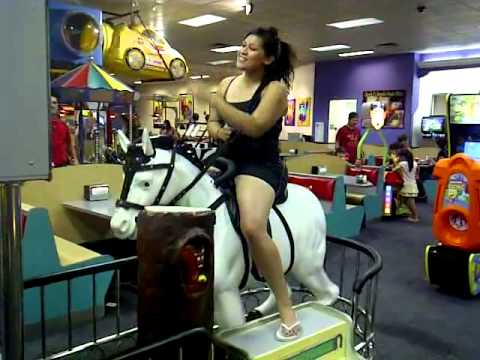 Chuck E Cheese Opening Hours