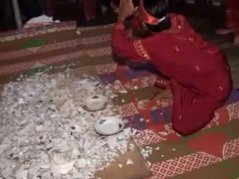 TARI PIRING ATAS KACA  KREASI MAYANG TAURAI TOPET STUDIO
