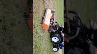 Ciągnik rolniczy Lovol 504 z kosiarką bijakową Orkan KTBC 160