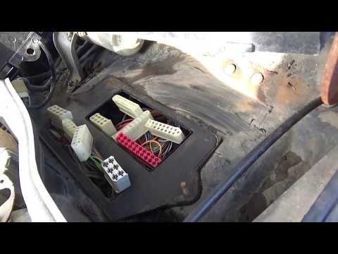 Монтажный блок ВАЗ-2113 - 2115 снимаем ставим.