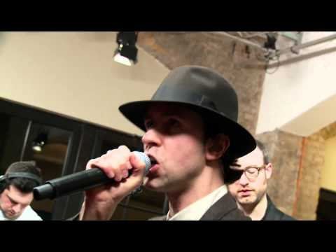 Maximo Park - Midnight On The Hill (Live at joiz)